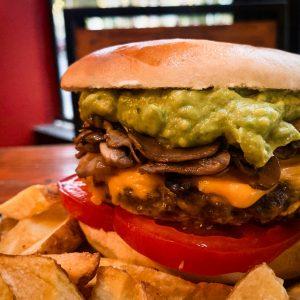 hamburguesa, casera, royal runch, antofagasta, cerveza, pub, local